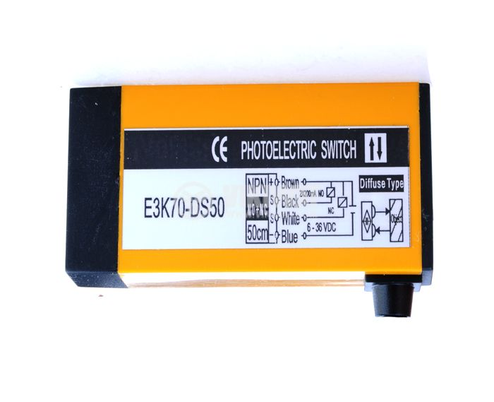 Optoelectronic Switch E3K70-DS50 70x37x18mm PNP NO+NC diffuse 6-36 VDC - 2