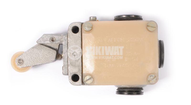 Краен изключвател S871, 2.5A/380VDC, IP54, рамос с ролка - 2