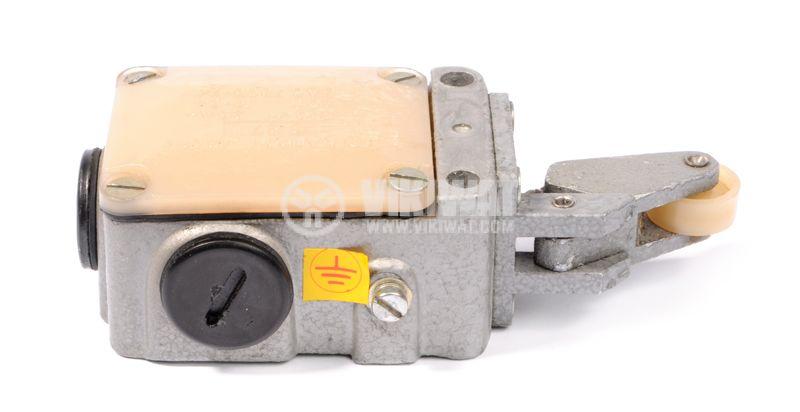 Краен изключвател S871, 2.5A/380VDC, IP54, рамос с ролка - 3