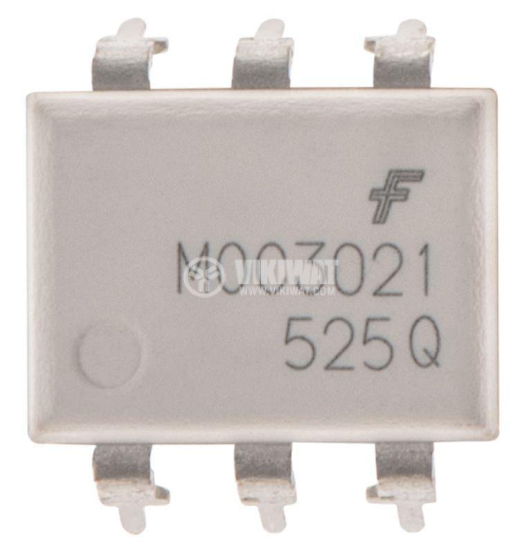Оптрон MOC3021, с триак на изхода, 400V, DIP6 - 2